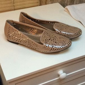 Patent nude lacy perforated flats, 7